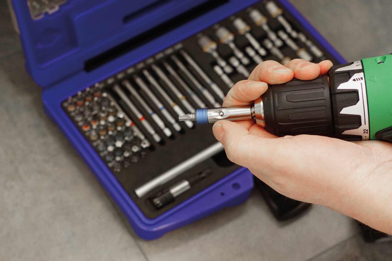 2771 Einhand Magnet- Bithalter